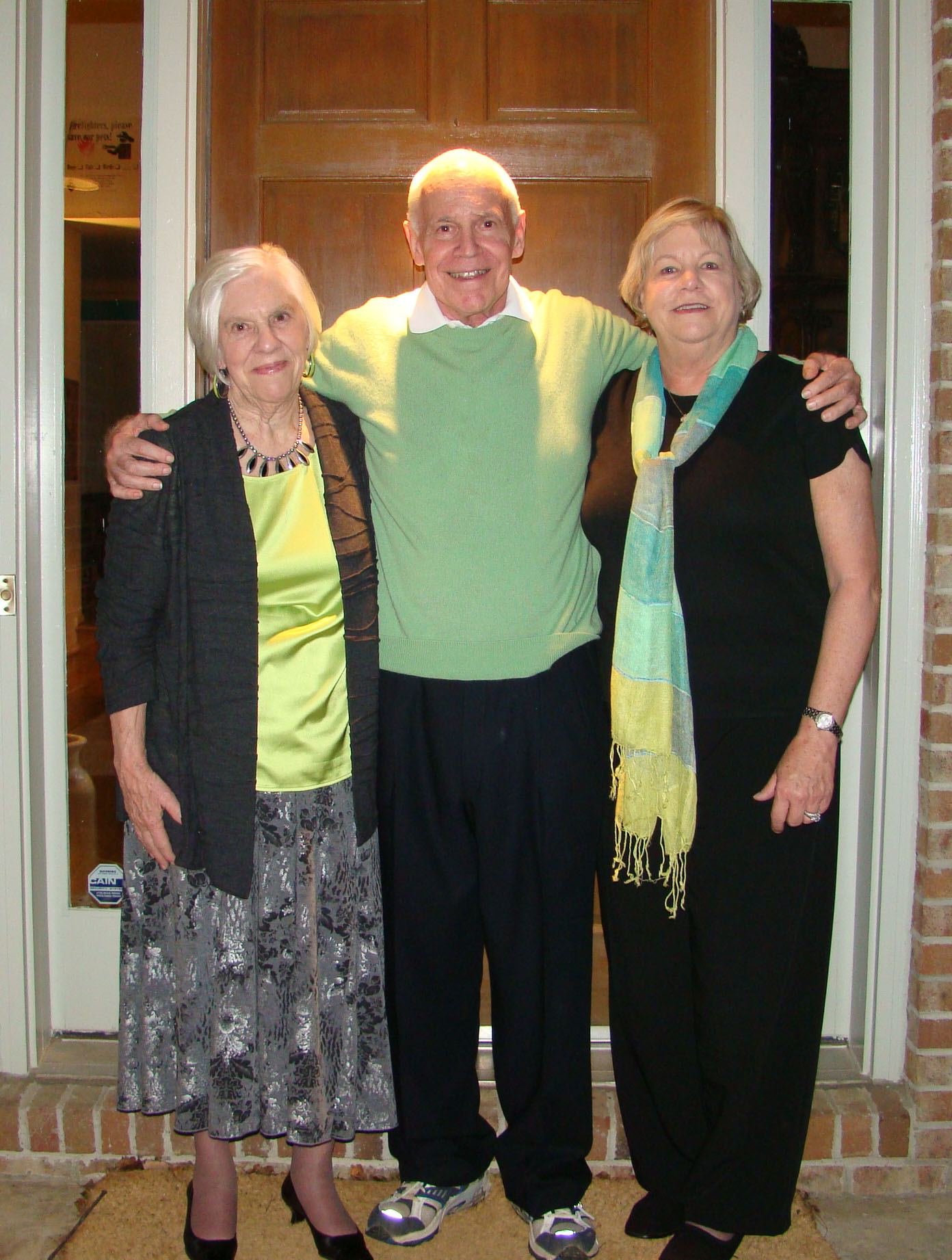 Russell Shaver with sisters Ann Lloyd (L) and Sally Bauernfeind (R)/Photo courtesy of the Shaver family