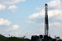 Shale gas well, courtesy wcn247/flickr.com
