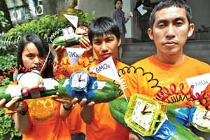 Greenpeace protesters in Bangkok