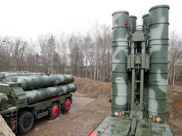 The S-400 Triumph surface to air missile system after deployment at a military base near Kaliningrad, Russia, March 11, 2019, photo by Vitaly Nevar/Reuters