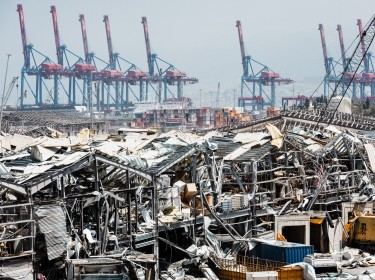 The port of Beirut and its construction cranes, destroyed by an explosion of ammonium nitrate on August 4, 2020, photo by Karine Pierre/Hans Lucas Pictures/Reuters