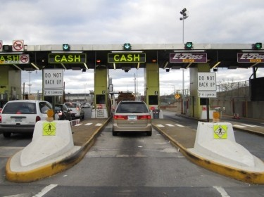 toll booth with ezpass