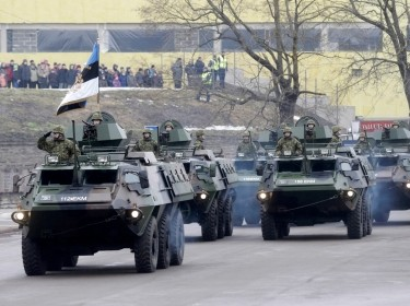 Estonian soldiers in a military parade celebrate Estonia's Independence Day near the Russian border in Narva, February 24, 2015