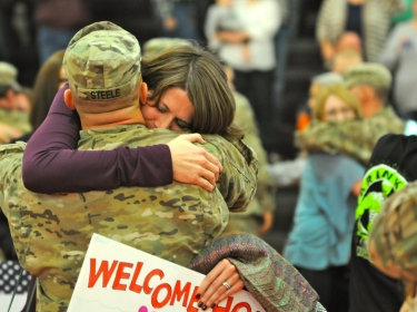 soldier welcomed home from Afghanistan, photo by Capt. Charlie Dietz/U.S. Army